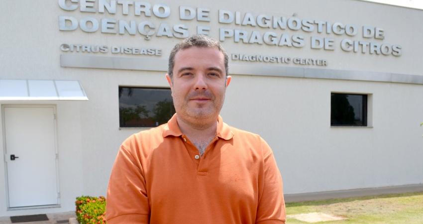 Pesquisador da Embrapa, que integra equipe do Fundecitrus, participa de visita técnica em pomares da Califórnia (EUA)