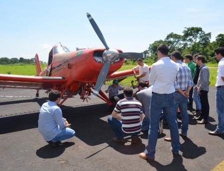 Alunos do MasterCitrus têm aula de aplicação aérea com foco em sustentabilidade