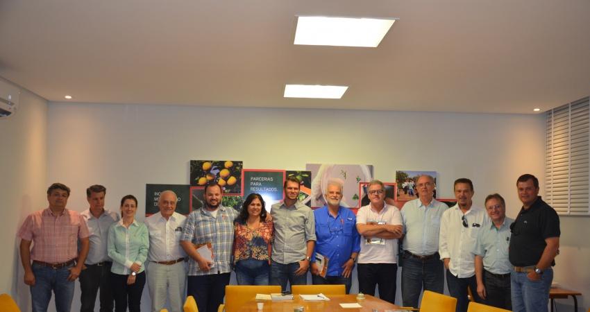 Diretoria da Associação Brasileira de Citros de Mesa (ABCM) visita o Fundecitrus