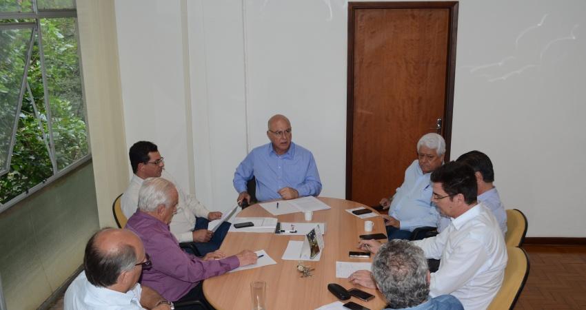 Presidente do Fundecitrus se reúne com Secretário de Agricultura para abordar lei de cancro cítrico de São Paulo