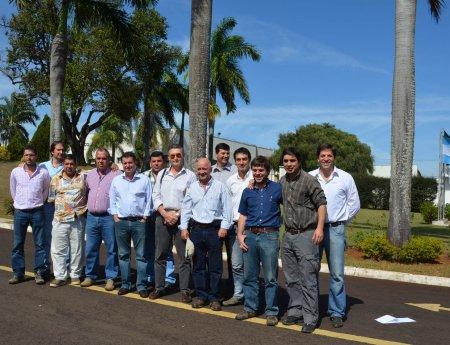Produtores argentinos de limão visitam o Fundecitrus em busca de orientações sobre o HLB