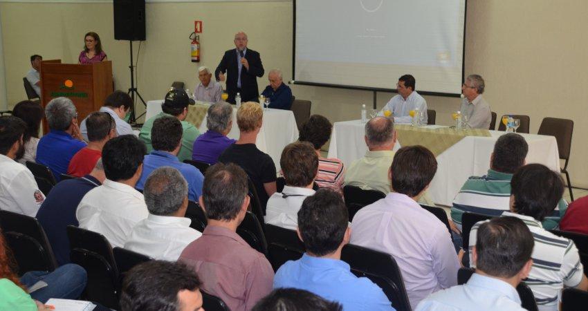 Workshop apresenta novo sistema de mitigação de cancro cítrico, em Araraquara