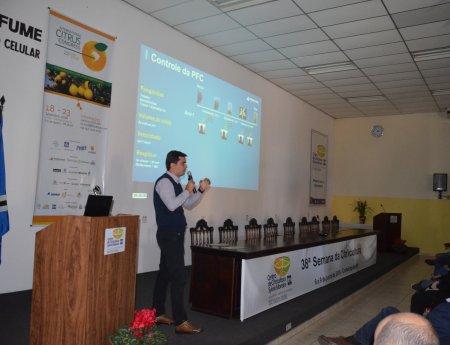Tecnologia de aplicação e Sistema de Previsão de podridão floral são temas de palestras do Fundecitrus