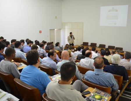 II Simpósio MasterCitrus reúne 100 pessoas