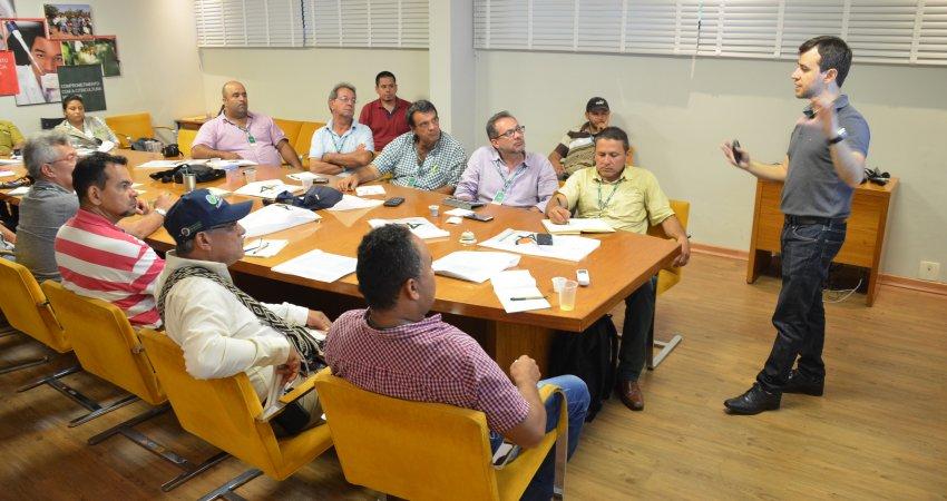 Equipe colombiana visita Fundecitrus e destaca importância do trabalho sobre greening desenvolvido pela instituição