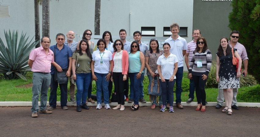 Membros do Cosave ressaltam capacidade técnica do Fundecitrus após treinamento sobre diagnóstico do greening