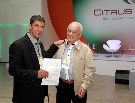 Fundecitrus e Bayer CropScience firmam parceria para a realização de pesquisas