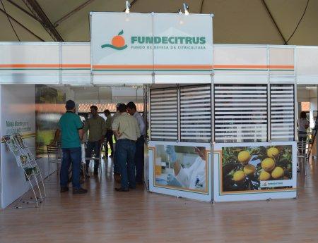 Fundecitrus apresenta novo sistema de previsão para podridão floral na Semana da Citricultura