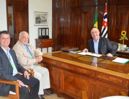 Fundecitrus faz reunião com novo secretário da agricultura sobre parcerias e fitossanidade da citricultura