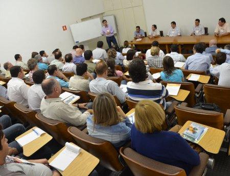 Simpósio MasterCitrus apresenta resultados de pesquisas desenvolvidas por alunos de mestrado